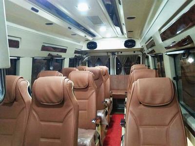 15 Seater Tempo Traveller