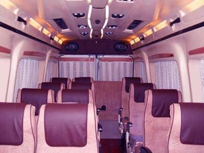 18 Seater Tempo Traveller