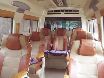 7 Seater Tempo Traveller